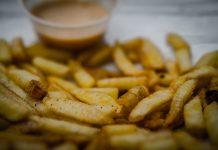 Franskar kartöflur og kokteilsósa